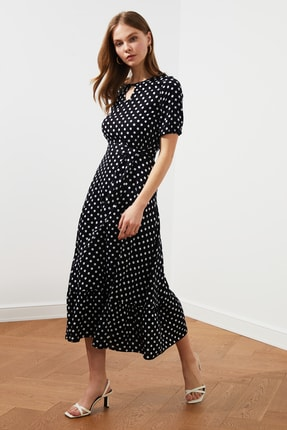 TRENDYOLMİLLA Siyah Kuşaklı  Puantiyeli  Elbise TWOSS19XM0064