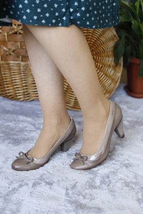 PUNTO Kadın Kahverengi Fiyonklu Kısa Topuklu Ayakkabı