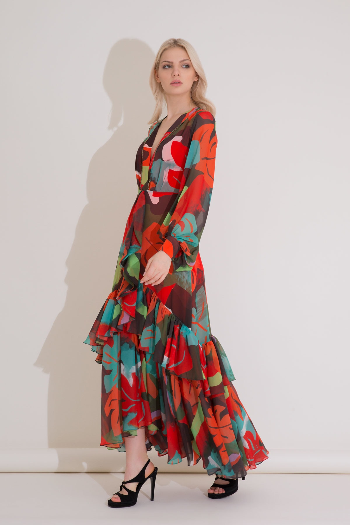 xGIZIA Desenli Karışık Renkli V Yaka Uzun Şifon Elbise 2
