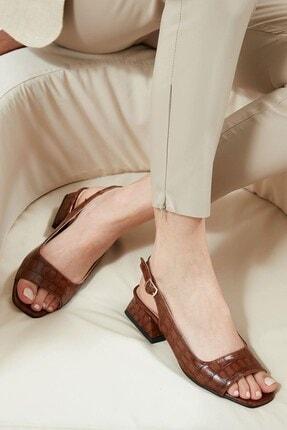 Mio Gusto Kadın Kahverengi Krokodil Desenli Kısa Topuklu Sandalet