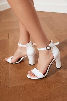 TRENDYOLMİLLA Beyaz Tek Bantlı Kadın Klasik Topuklu Ayakkabı TAKSS21TO0019