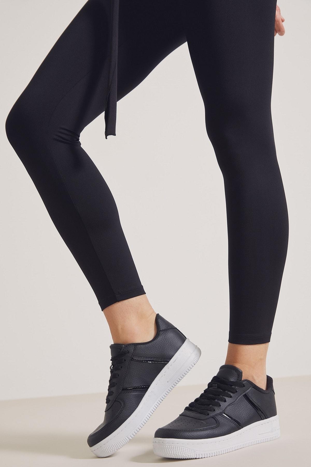 DeFacto Kadın Siyah Bağcıklı Sneaker 1