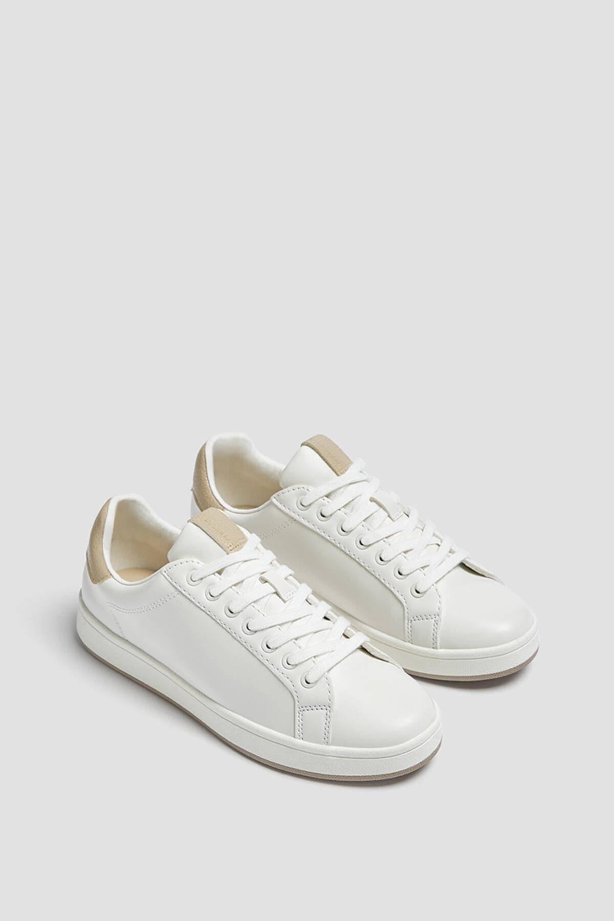 Pull & Bear Kadın Beyaz Topuğu Parça Detaylı Casual Spor Ayakkabı