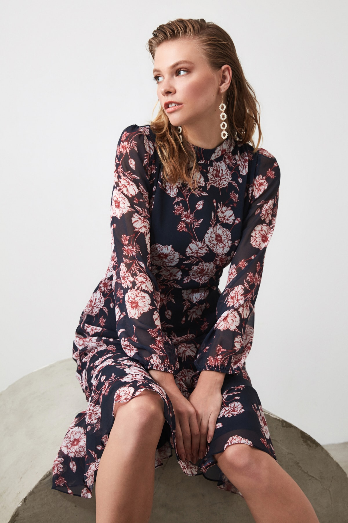 TRENDYOLMİLLA Lacivert Çiçek Desenli Elbise TWOAW20EL1313 1