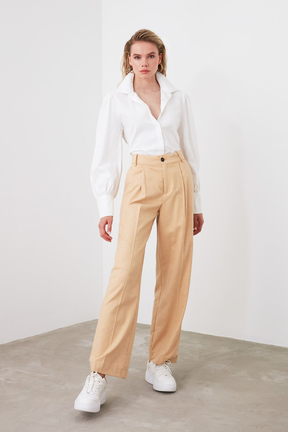 TRENDYOLMİLLA Beyaz Gömlek TWOSS20GO0065 1
