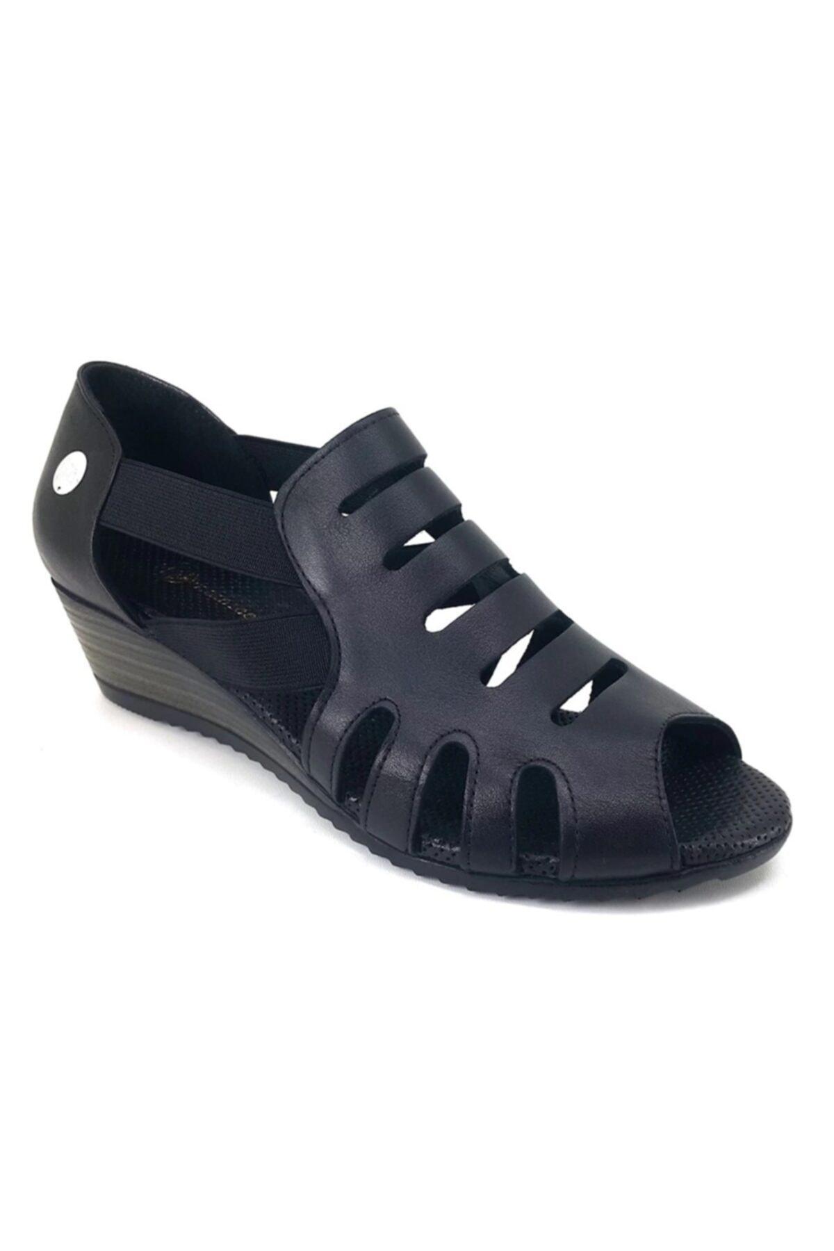 Mammamia Kadın Siyah Dolgu Topuklu Sandalet 1