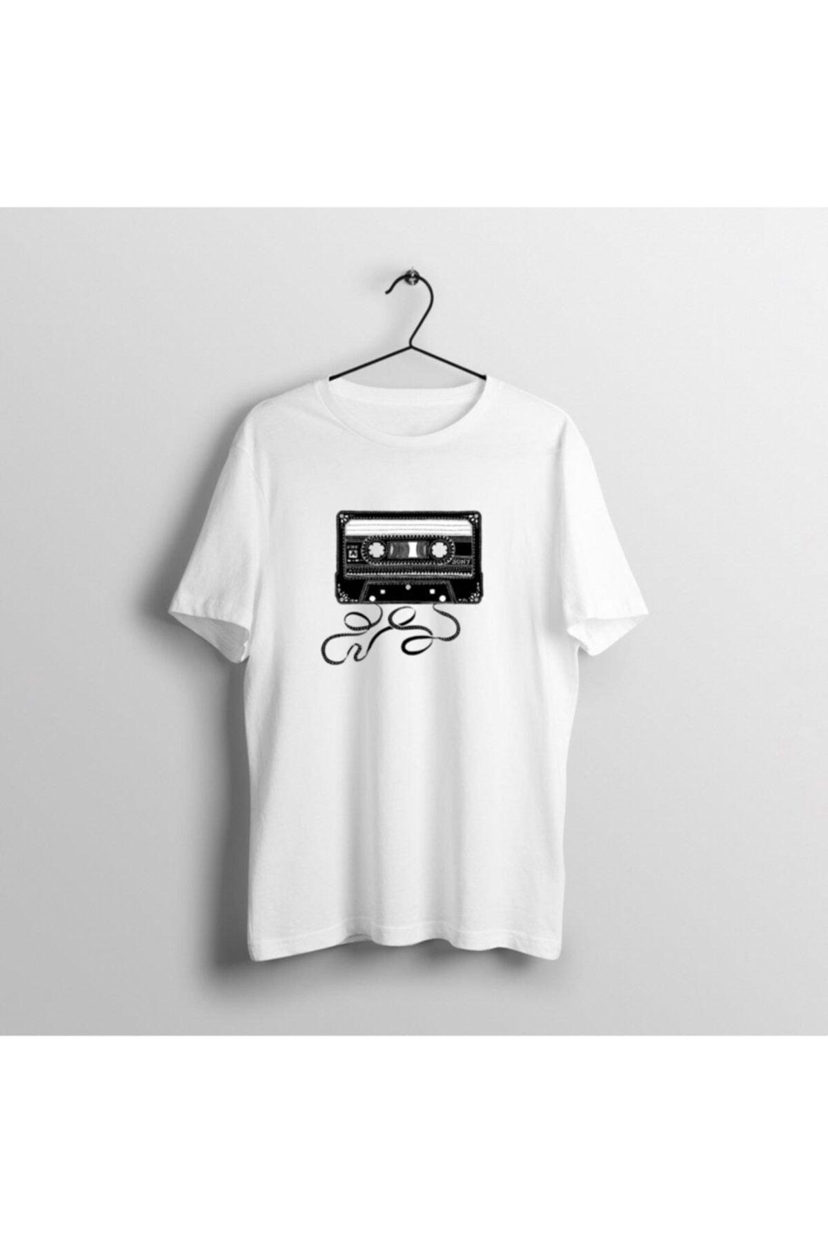 moda trend Beyaz Baskılı Kaset Desenli T-shirt 1