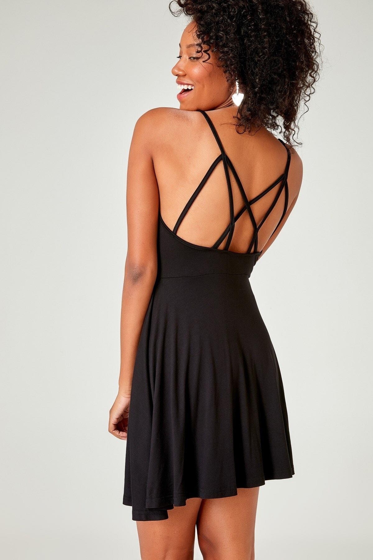 boutiquen Kadın Siyah Sırtı İp Detaylı Askılı Elbise 2127