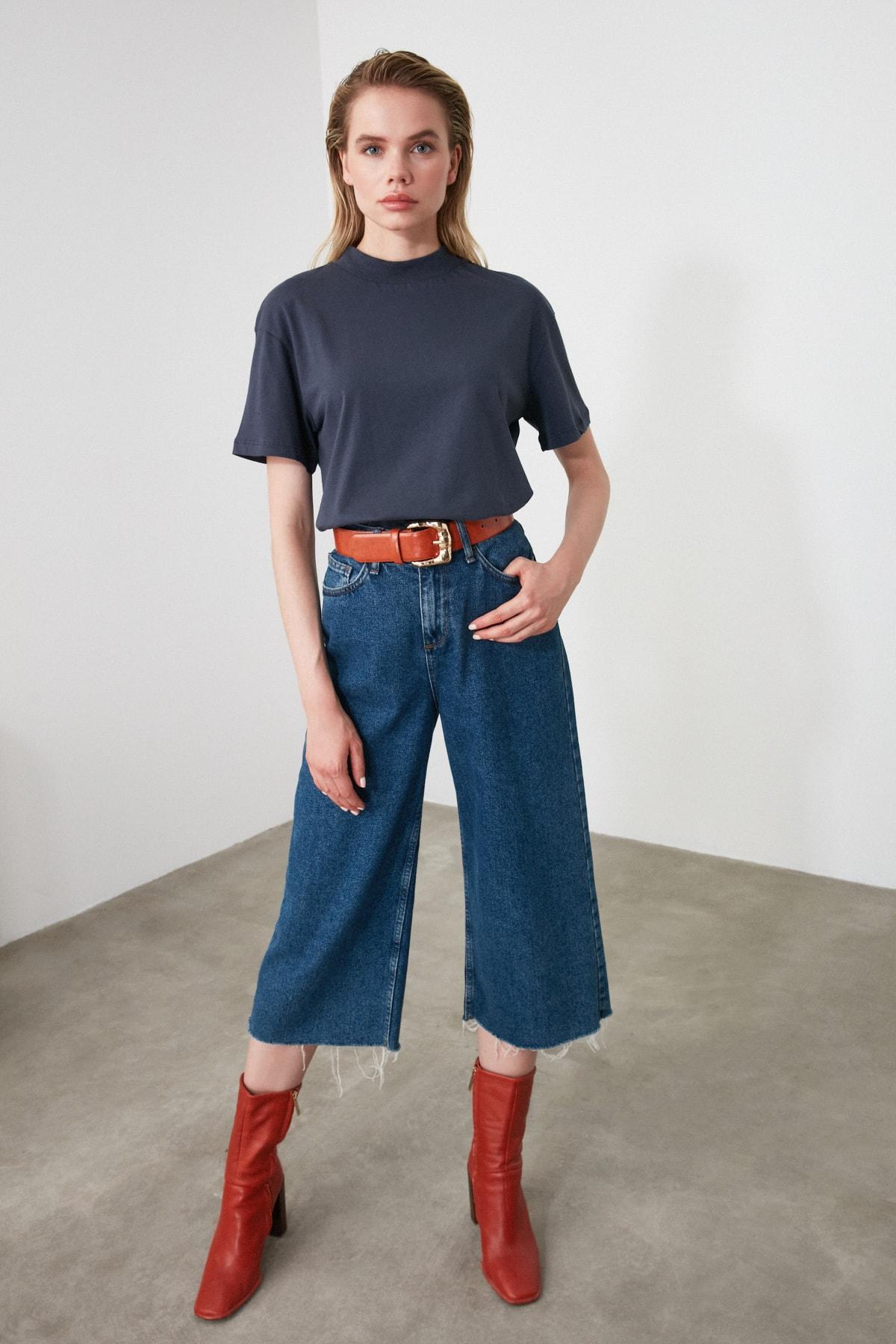 TRENDYOLMİLLA Antrasit Dik Yaka Basic Örme T-Shirt TWOAW20TS0096 1