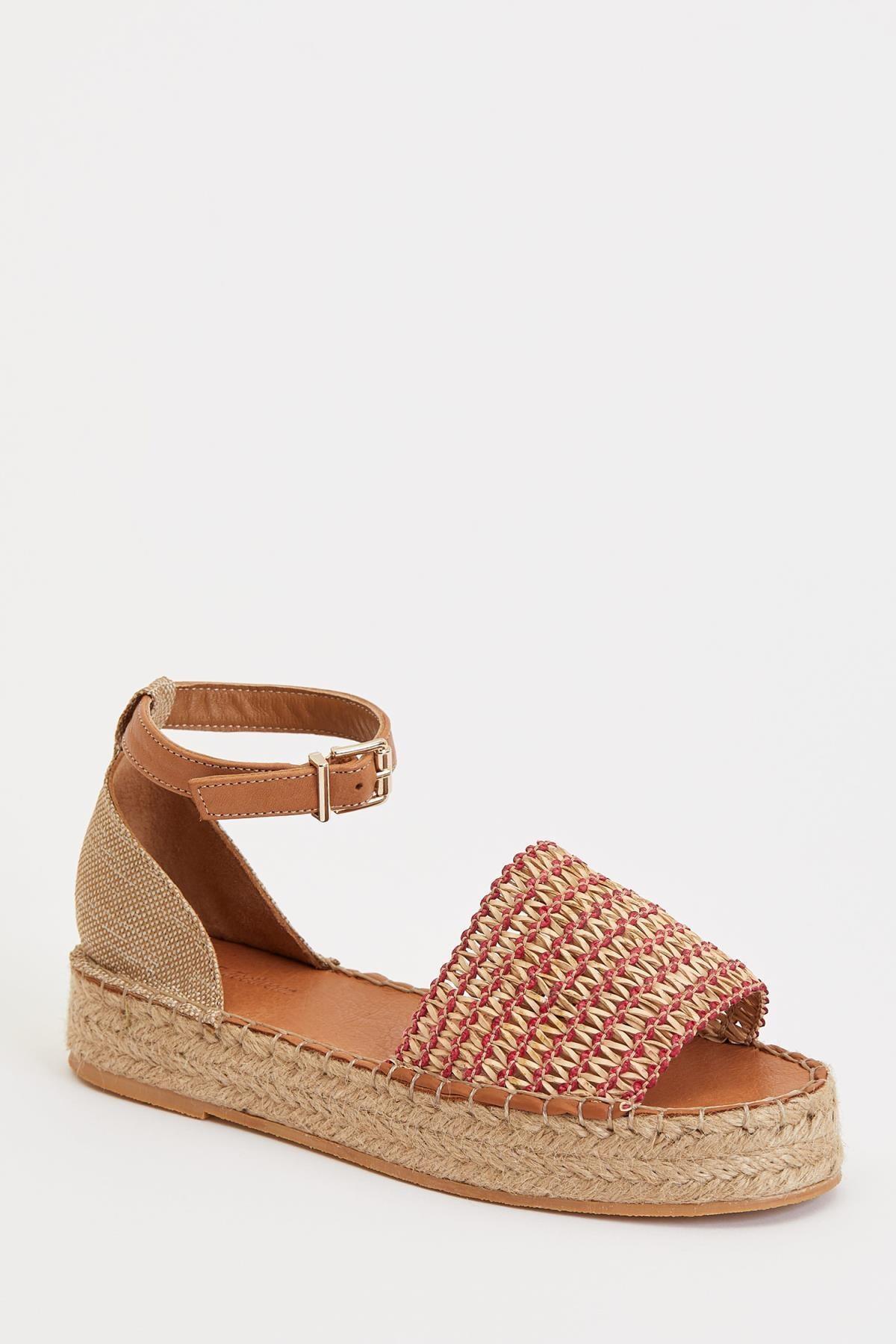 DeFacto Hasır Detaylı Deri Sandalet