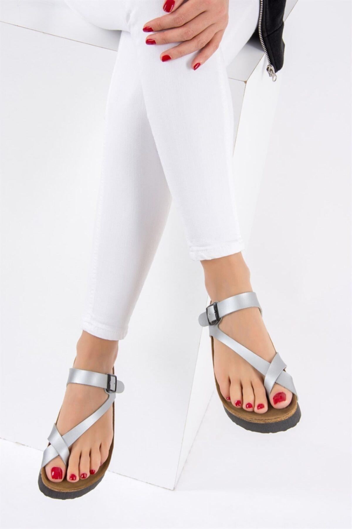 Fox Shoes Kadın Gümüş Terlik B777753009 2
