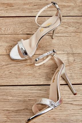 Bambi Kadın Lame Açık Topuklu Ayakkabı L0527007939