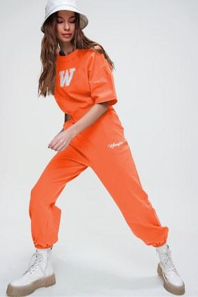 Trend Alaçatı Stili Kadın Açık Turuncu W Baskılı Eşofman Takımı ALC-X5889