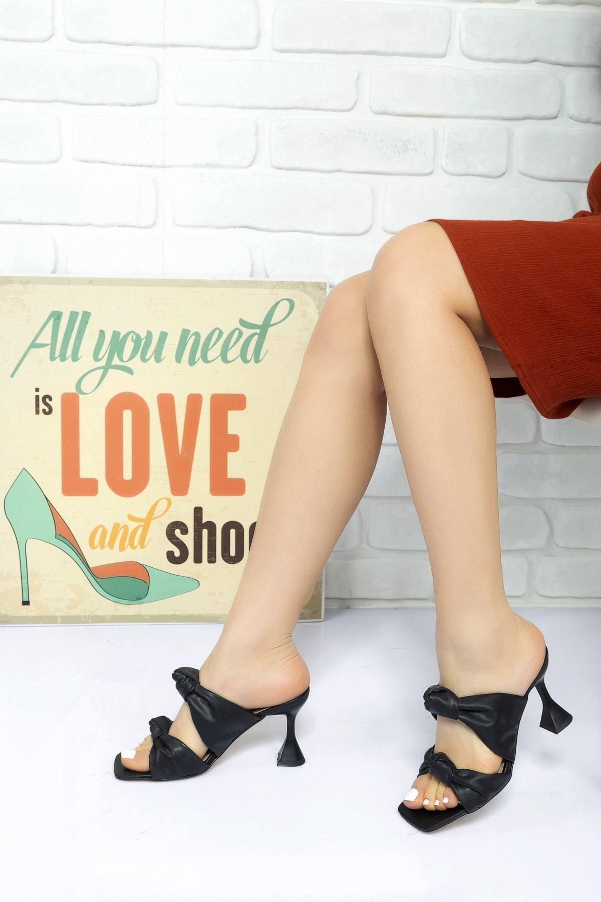 Lara Ayakkabı Kadın Siyah Düğüm Bantlı Topuklu Terlik 1