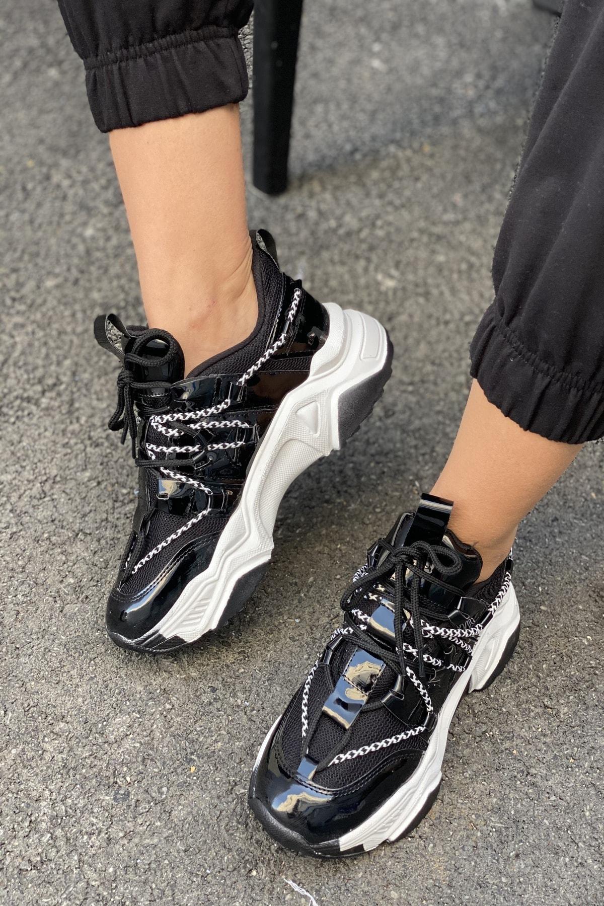 İnan Ayakkabı Kadın Siyah Bağcık Detaylı Sneaker 1