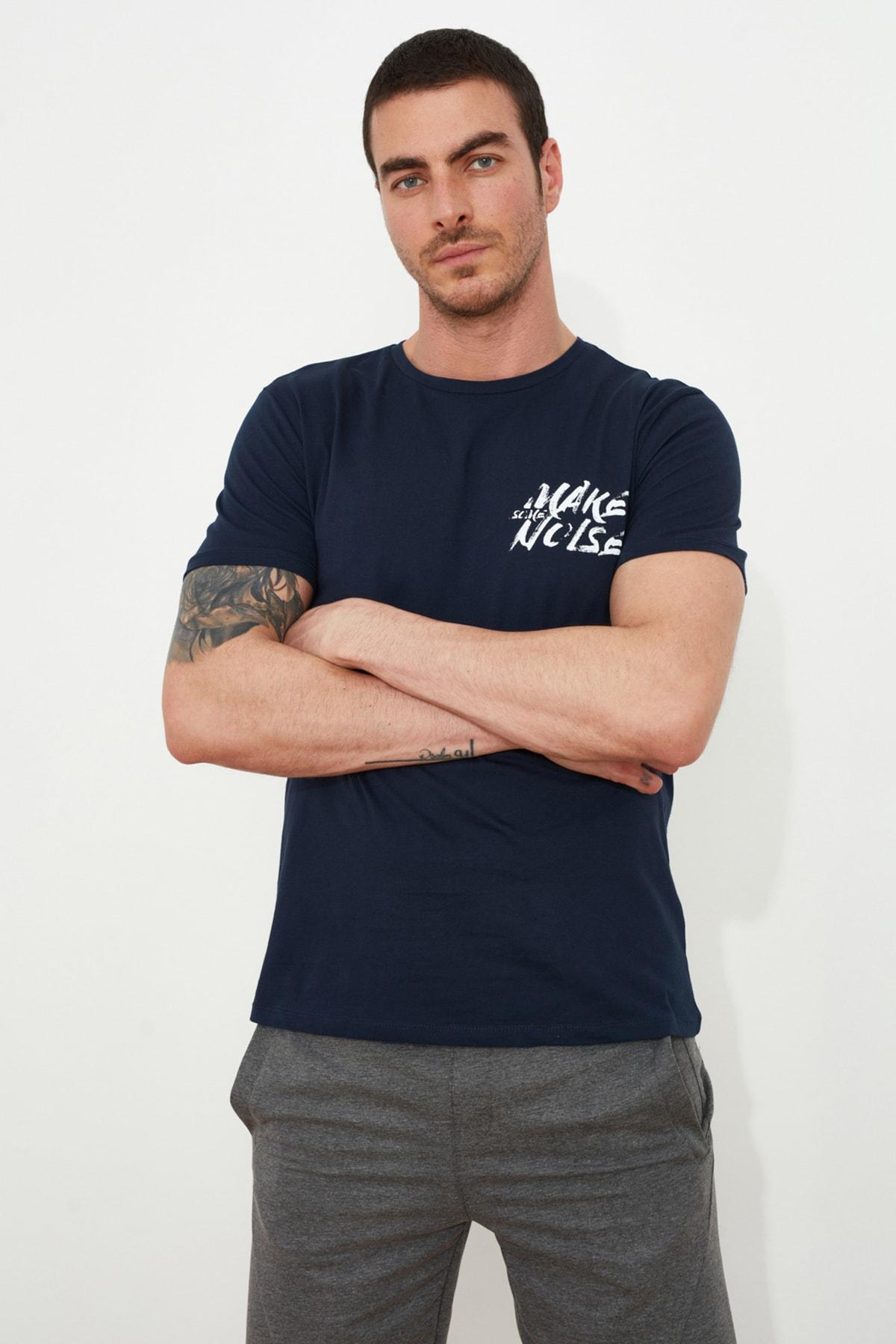TRENDYOL MAN Lacivert Erkek Basic Slim Fit T-Shirt TMNSS20TS0080 1