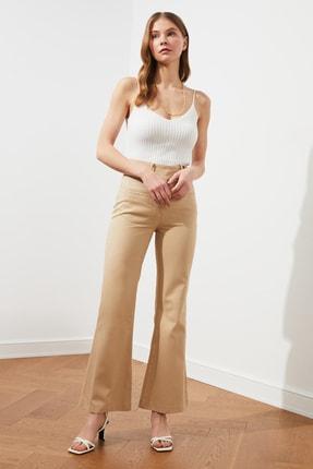 TRENDYOLMİLLA Bej Düğme Detaylı Pantolon TWOSS21PL0270