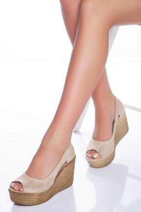 derithy Kadın Ten Süet Dolgu Topuklu Ayakkabı