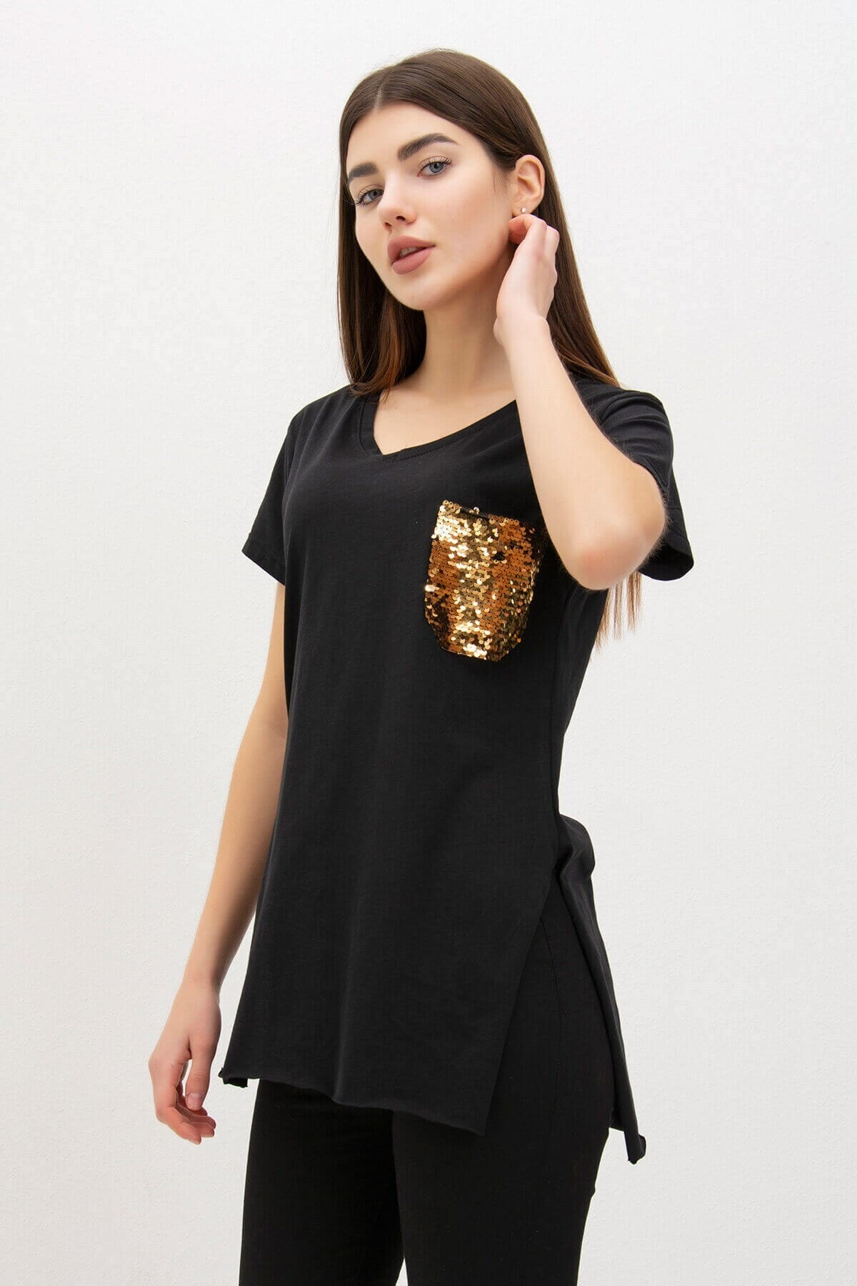 Mossta Kadın Siyah Pul Cepli V Yaka T-shirt 1