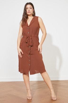 TRENDYOLMİLLA Kahverengi Bağlama Detaylı Gömlek Elbise TWOSS21EL1656
