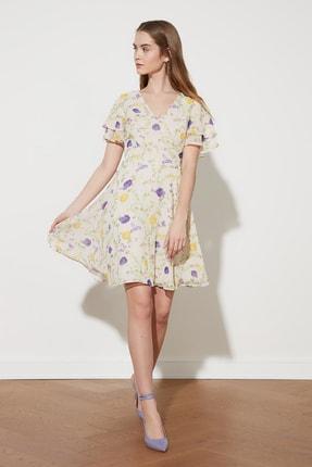 TRENDYOLMİLLA Ekru Volanlı Desenli Elbise TWOSS21EL1625