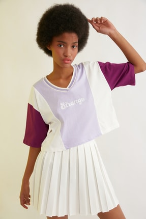 TRENDYOLMİLLA Lila Renk Bloklu Crop Örme T-Shirt TWOSS21TS1648