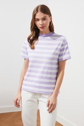 TRENDYOLMİLLA Lila Çizgili Basic Dik Yaka Örme T-Shirt TWOSS21TS1204