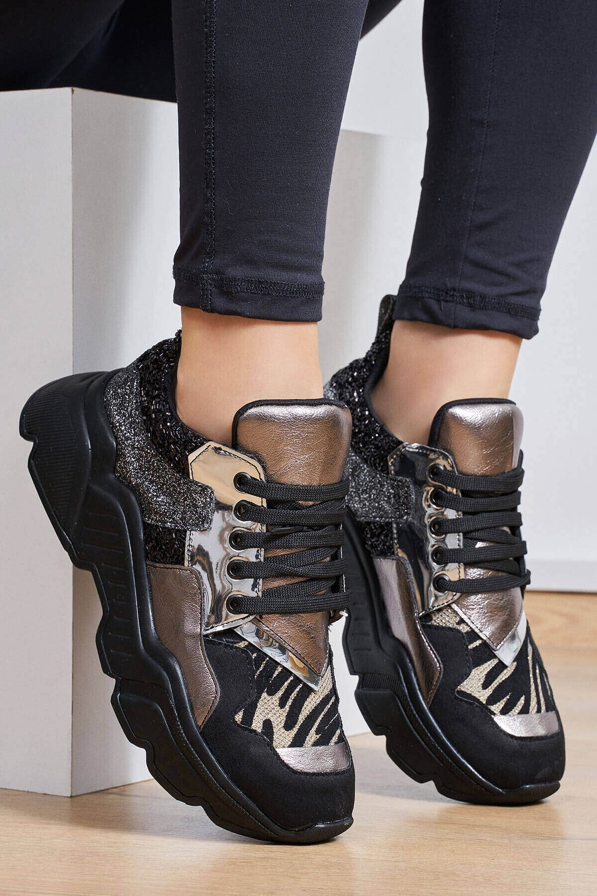 Mio Gusto Kadın Gri Morgan Kurşun Renkli Sneaker 1