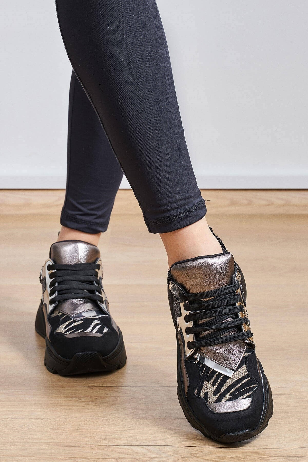 Mio Gusto Kadın Gri Morgan Kurşun Renkli Sneaker 2