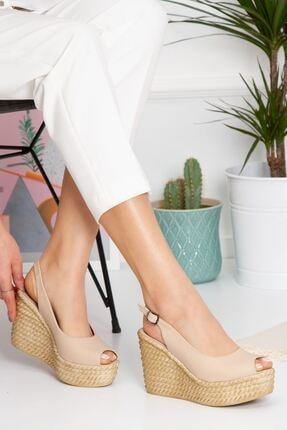 derithy Kadın Bej Lewis Dolgu Topuklu Ayakkabı lzt0535