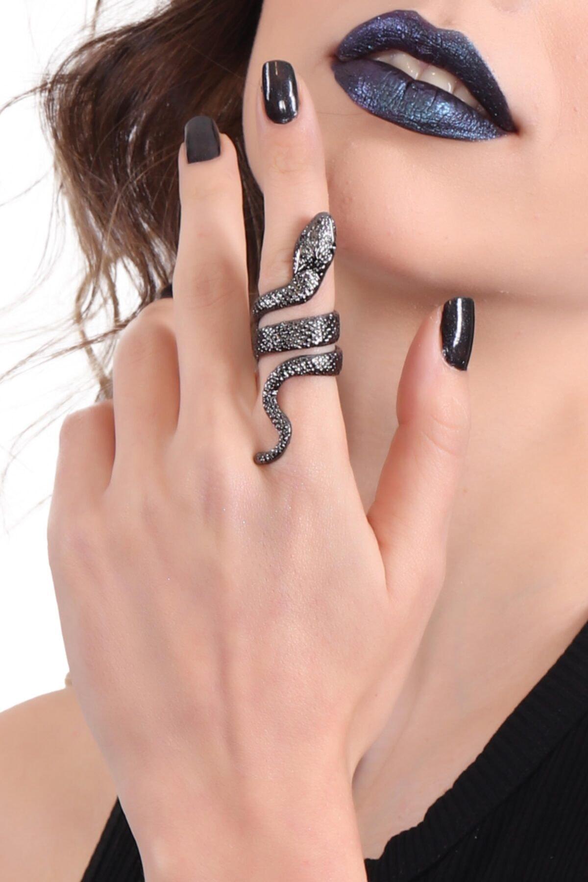 LABALABA Kadın Metalik Antrasit Lak Kaplama Dolama Model Yılan Formlu Ayarlanabilir Sağ Parmak Yüzük 1