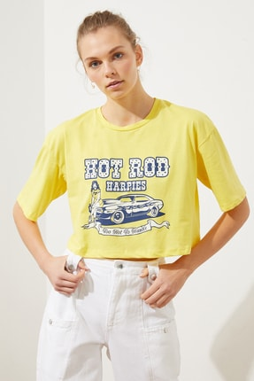 TRENDYOLMİLLA Sarı Baskılı Loose Crop Örme T-Shirt TWOSS21TS1937