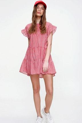 Trend Alaçatı Stili Kadın Kırmızı Pötikare Desenli Volanlı Dokuma Elbise ALC-X6008