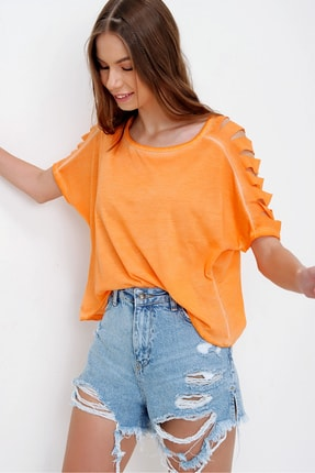 Trend Alaçatı Stili Kadın Turuncu Kolları Lazer Kesimli Yıkamalı T-Shirt MDA-1122
