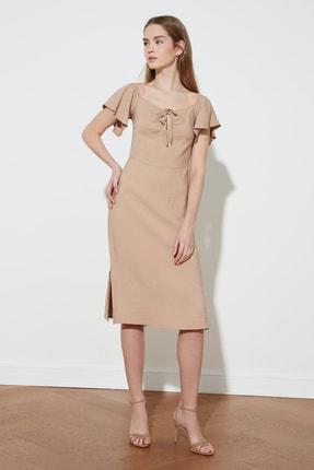 TRENDYOLMİLLA Vizon Yaka Detaylı Elbise TWOSS21EL0861