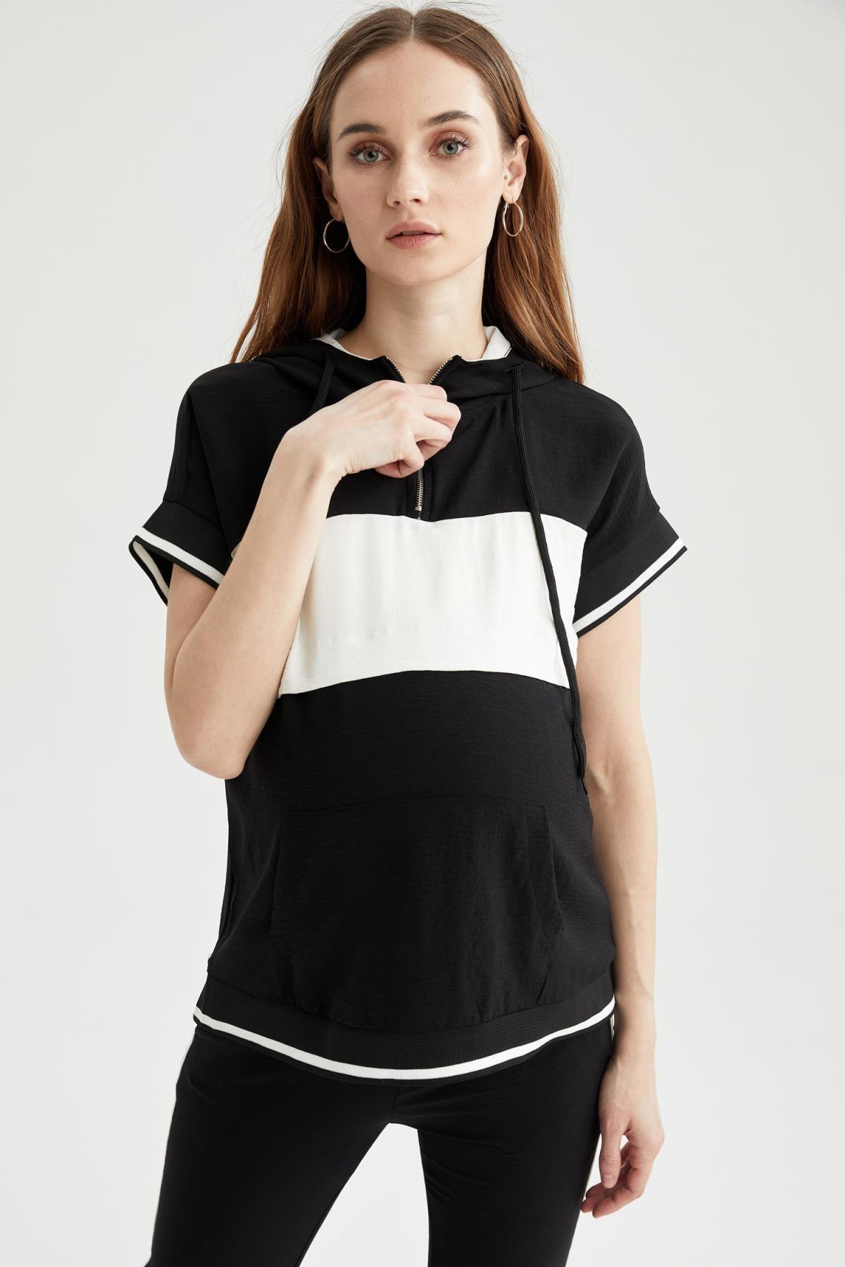DeFacto Kadın Hamile Renk Bloklu Kapüşonlu Kısa Kollu Tişört U4983AZ21SP 1