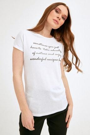 Fulla Moda Kadın Beyaz Simli Yazı Baskılı Tshirt