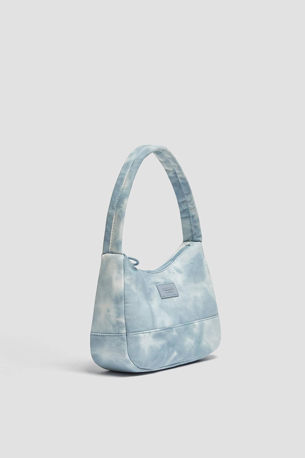 Pull & Bear Kadın Mavi Batik Desenli Kol Çantası 14155740