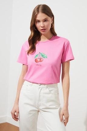 TRENDYOLMİLLA Pembe Baskılı Semi-Fitted Örme T-Shirt TWOSS20TS0314