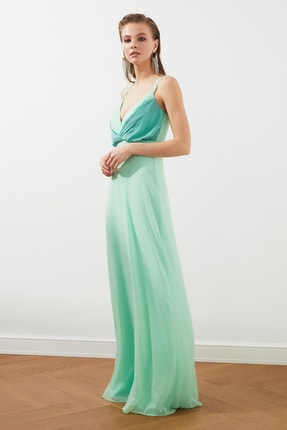 TRENDYOLMİLLA Mint Renk Bloklu Şifon Abiye & Mezuniyet Elbisesi TPRSS20AE0083