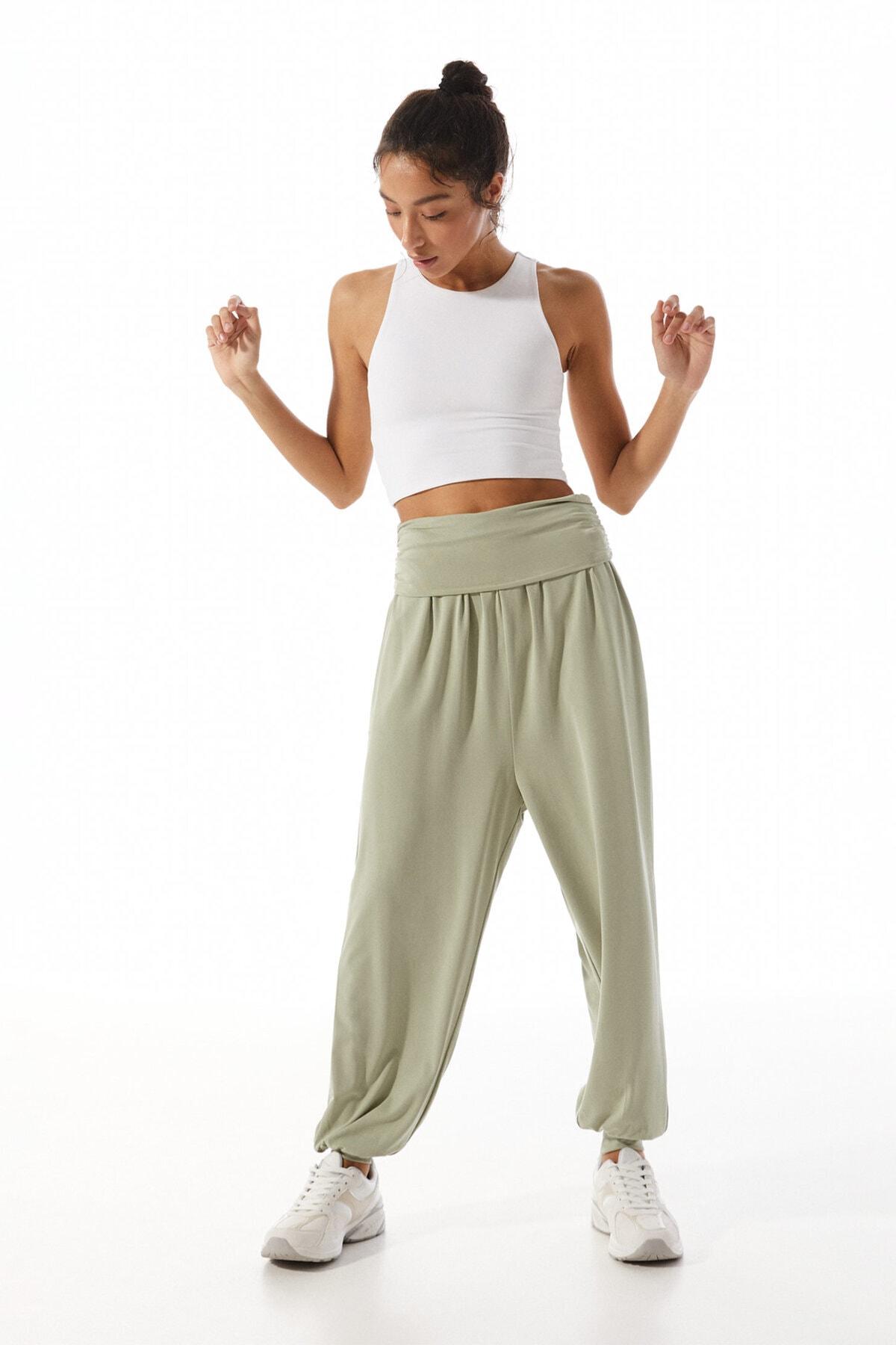 Stradivarius Kadın Yeşil Yoga Pantolon 01198854
