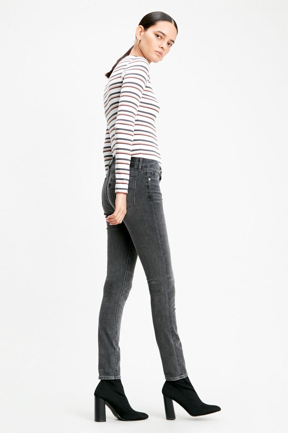 Levi's Kadın 711 Skinny Jean 18881-0454 2