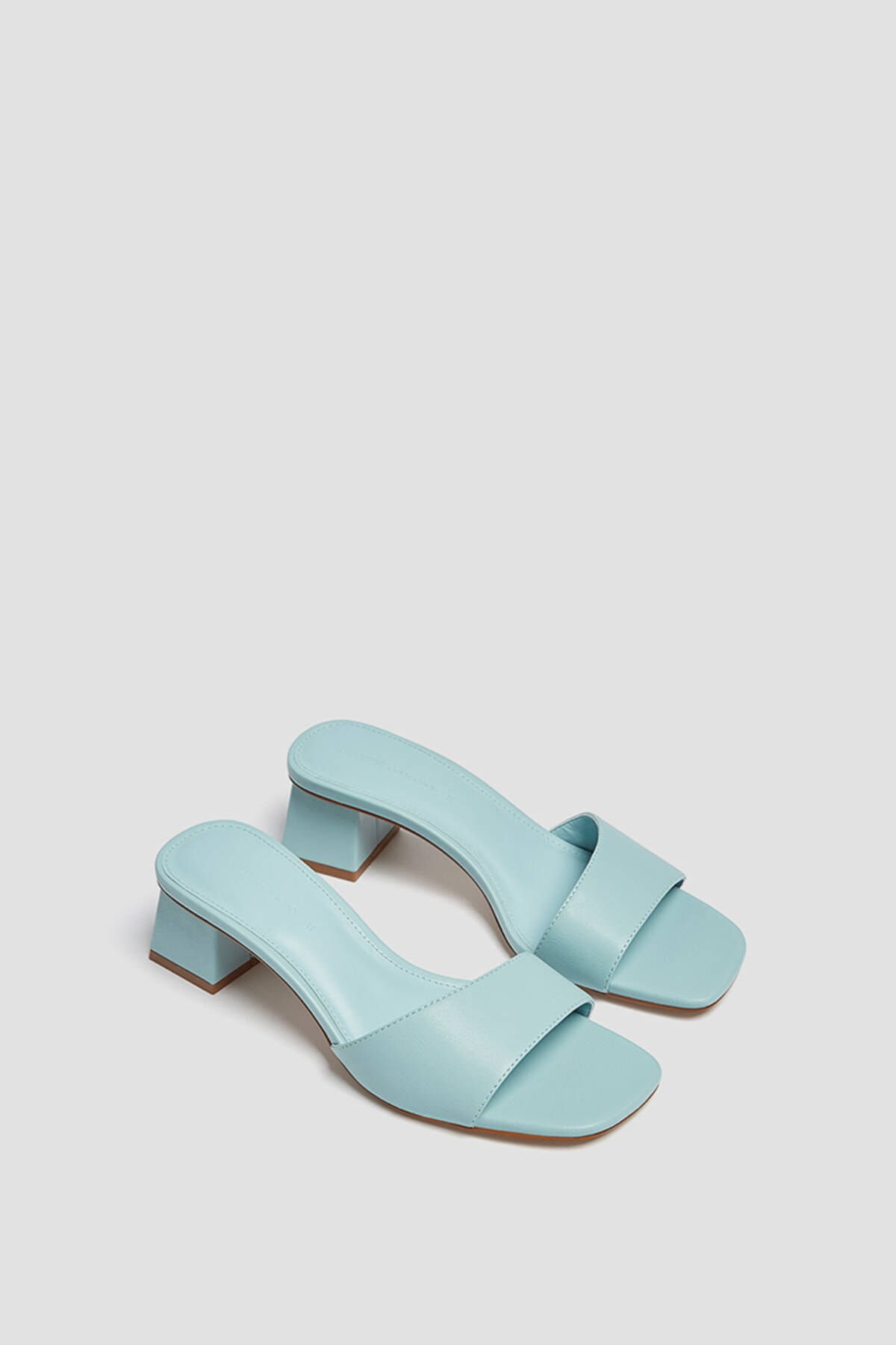 Pull & Bear Kadın Açık Mavi Kare Burunlu Topuklu Arkası Açık Ayakkabı 11609740