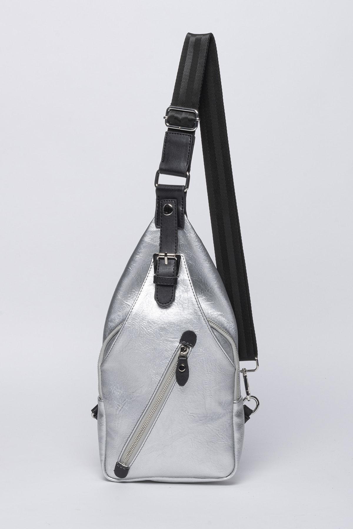Jacquline Kadın Gümüş Rengi Çapraz Askılı Çanta 1
