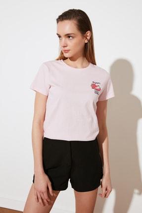 TRENDYOLMİLLA Pembe Nakışlı Basic Örme T-Shirt TWOSS21TS0163