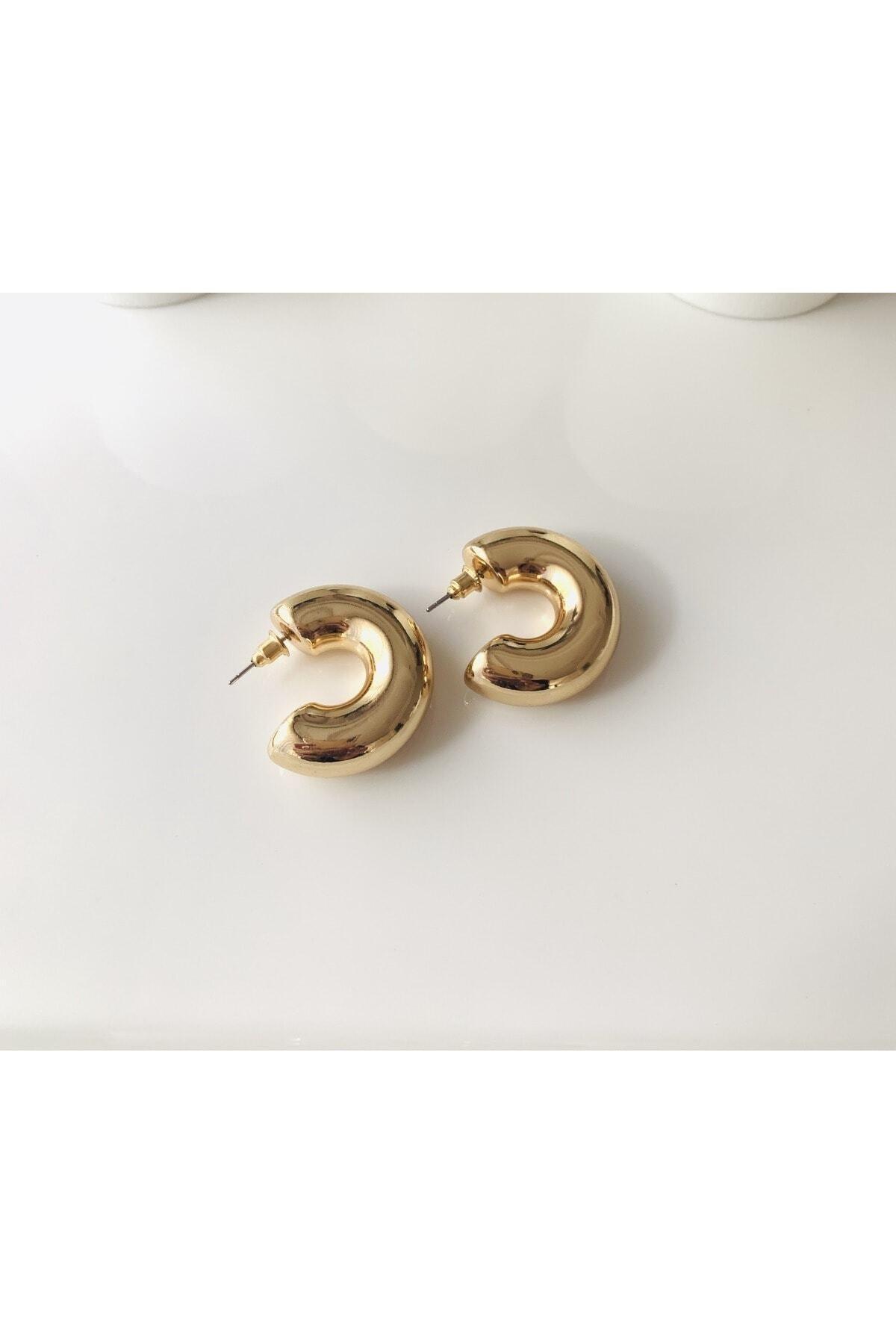 LİLY TAKI VE AKSESUAR ÜRÜNLERİ Yarım Halka Model Gold Renk Bayan Çelik Küpe 1