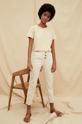 TRENDYOLMİLLA Ekru Önden Düğmeli  %100 Organik Pamuk Yüksek Bel Mom Jeans TWOSS20JE0384