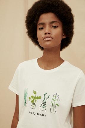 TRENDYOLMİLLA Ekru %100 Organik Pamuk Basic Baskılı Örme T-Shirt TWOSS21TS1530
