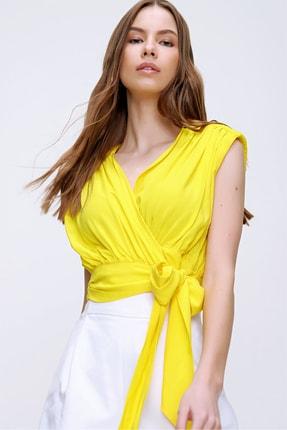 Trend Alaçatı Stili Kadın Sarı Beli Bağlamalı Kruvaze Bluz ALC-X5884