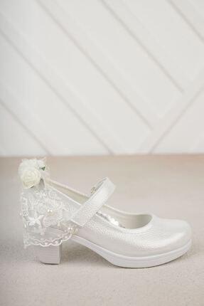 Gimeravm Arkası Duvaklı Topuklu Beyaz Ayakkabı
